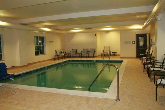 Hampton Inn Union City: Hot water indoor pool