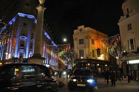 Radisson Blu Edwardian Mercer Street Hotel: Hotel frontage lit in blue
