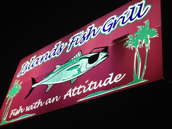 Islands Fish Grill: Parking in the rear