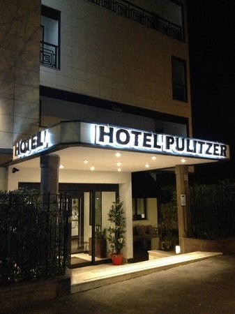 Hotel Pulitzer Roma : hotel entrance