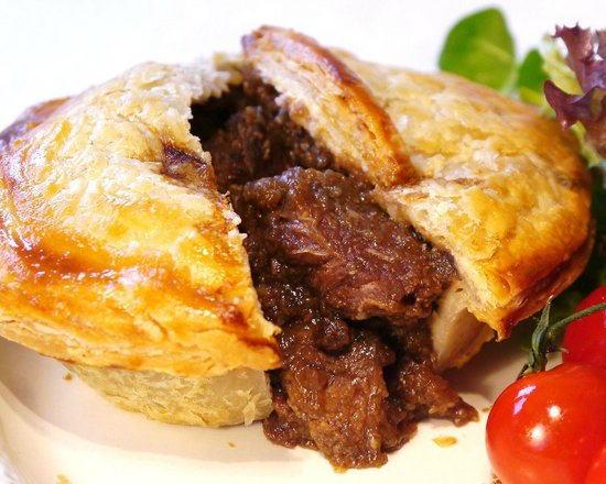 cobleys fish & chip cafe: HOMEMADE PIES