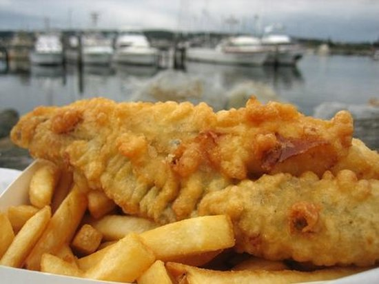 cobleys fish & chip cafe: FRESHLY COOKED FISH WITH FRESH CUT  CHIPS