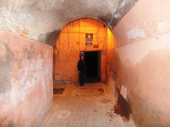 Riad Bibtia: Entrance to the Riad