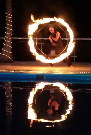 Cozumel Palace: Fire show (evening entertainment)