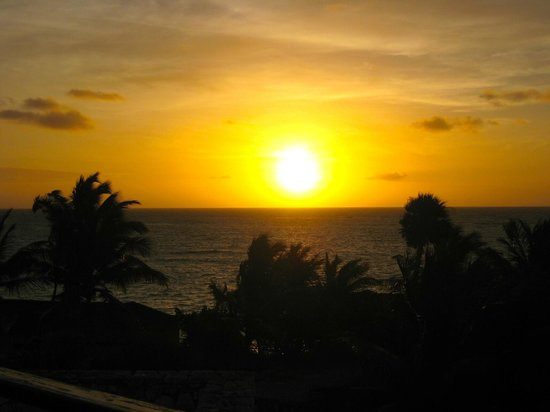 Sanctuary Cap Cana by AlSol: Sunrise from our balcony