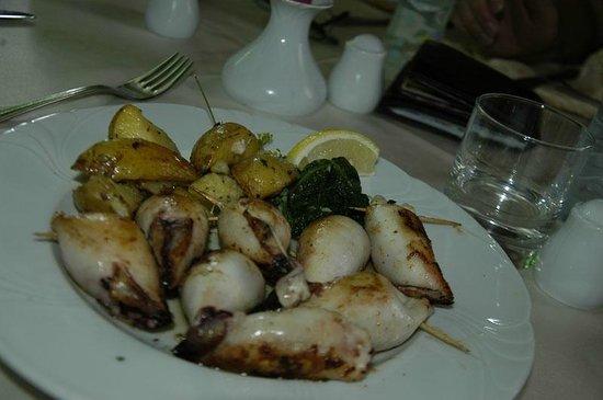 Penzion Livada: calamari alla griglia ripieni.