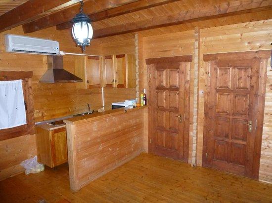 Caserio de la Fuente: interior de la cabaña