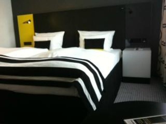 andel's by Vienna House Berlin: letto