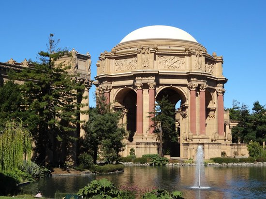 A Friend in Town Tours : Palace of Fine Arts