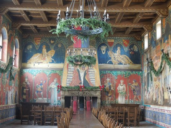 Castello di Amorosa : Dining Hall