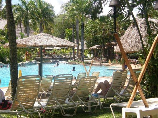 Outrigger Fiji Beach Resort: Poolside