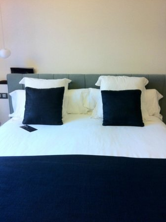 Hotel Ohla Barcelona: Lovely bed