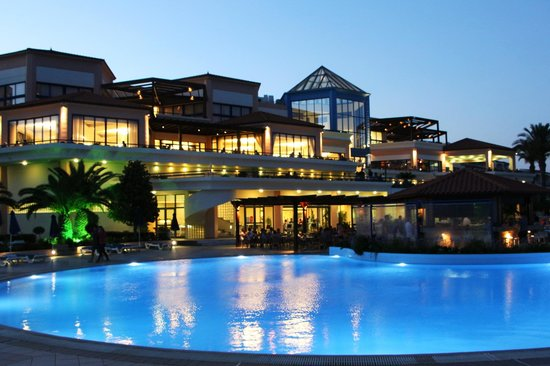 Rodos Princess Beach Hotel: Вид на здание отеля