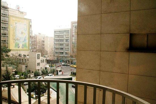 Parsian Enghelab Hotel: Blick aus dem Zimmer