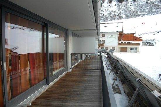 Josl Mountain Lounging: groot balkon