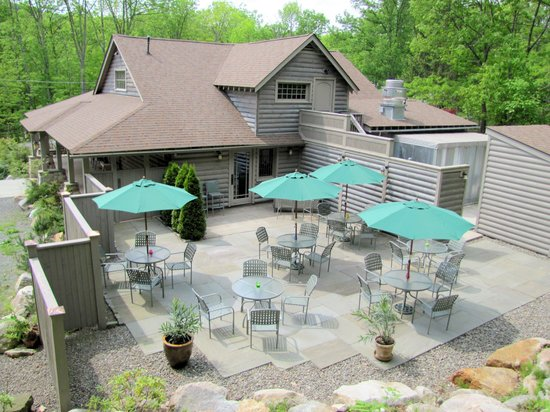 Stony Brae Restaurant & Pub: Outdoor Dining
