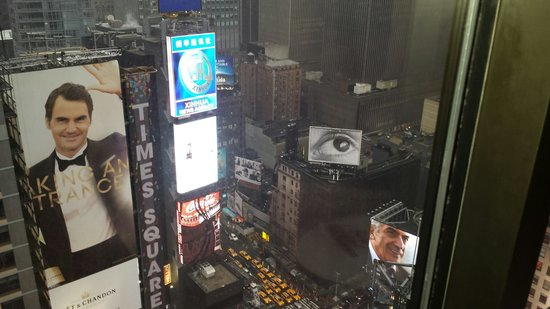 New York Marriott Marquis: View from our room!! Awesome!!