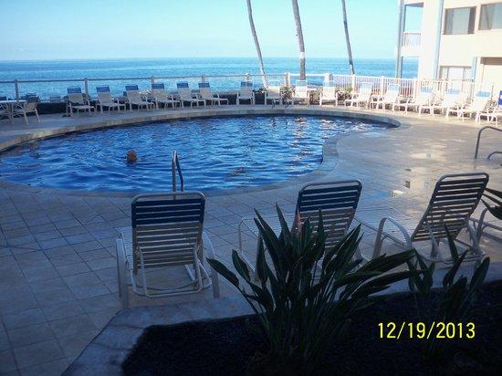 Kona Reef Resort: Pool