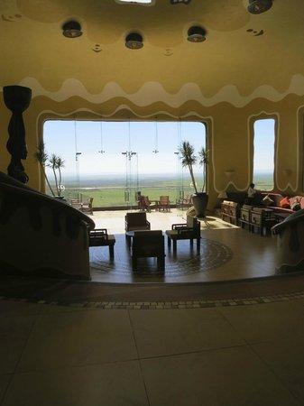 Mara Serena Safari Lodge: arrival area