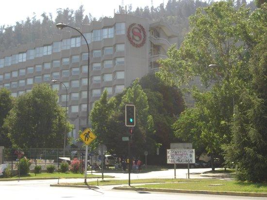 San Cristobal Tower, A Luxury Collection Hotel, Santiago: On Strike
