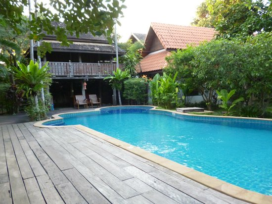 Baan Orapin Bed and Breakfast: la piscine