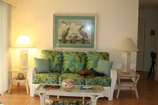 West-End Paradise: Living Room - Suite D