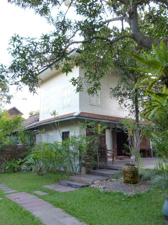 Baan Orapin Bed and Breakfast : .