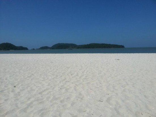 Meritus Pelangi Beach Resort & Spa, Langkawi: View from the beach