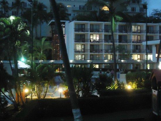 Best Western Jaco Beach All Inclusive Resort: Vista nocturna desde la habitación