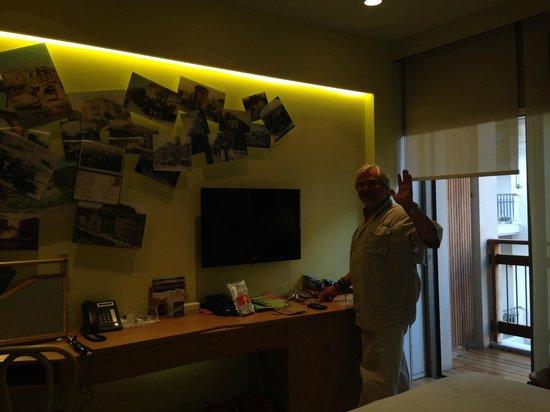 New Hotel: bedroom