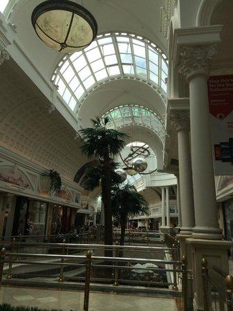 Canal Walk Shopping Centre : Canal Walk um Corredor!