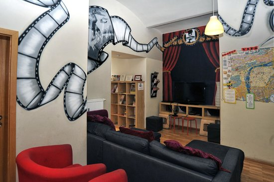 Hostel One Prague: TV Lounge