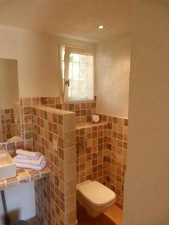 Lavandaline : grande salle de bain