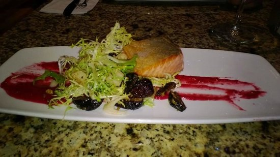 Baked Alaska : Salmon with a small date salad garnish.