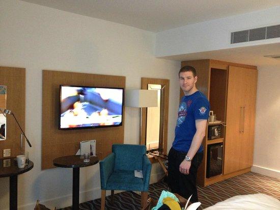 Holiday Inn Birmingham City Centre : flatscreen TV