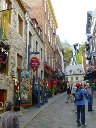 Old Quebec: Funicular in Old Town