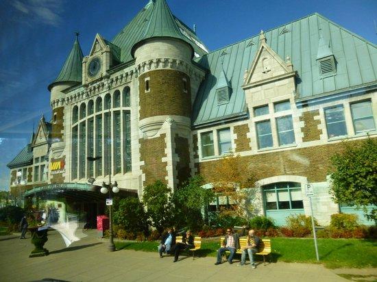 Old Quebec: train station