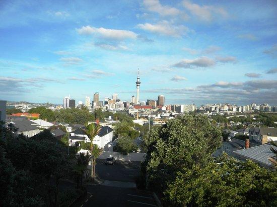 SidArt: Day panorama of the city from restaurant balcony