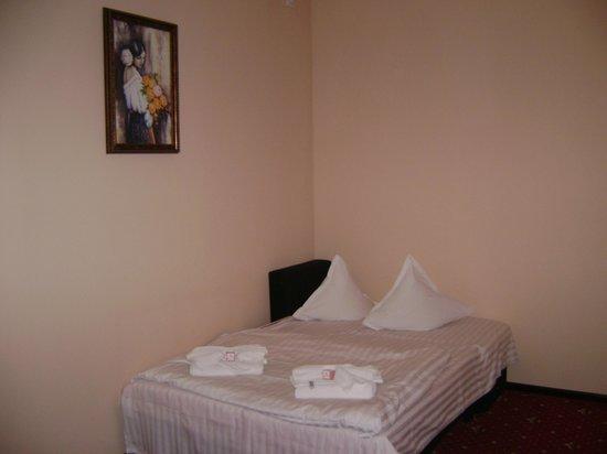 """Casa Muresan: дополнительная кровать в номере """"трёхместный сьют"""""""