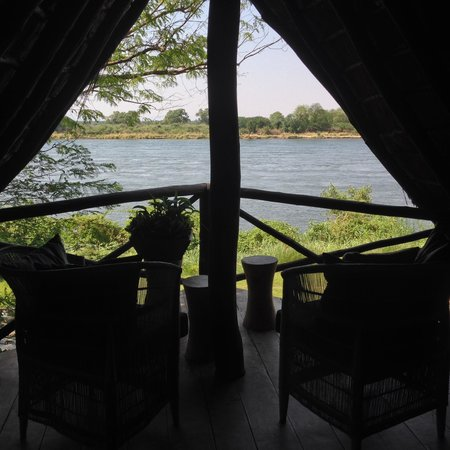 Kanyemba Lodge: view from the lodge