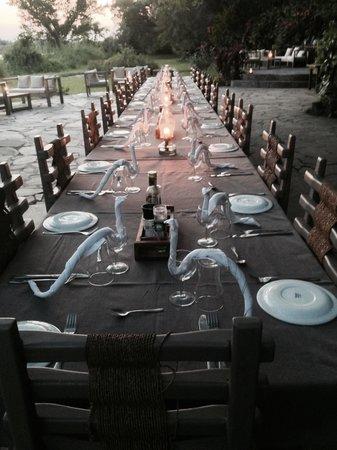Kanyemba Lodge: Dining at Kenyemba