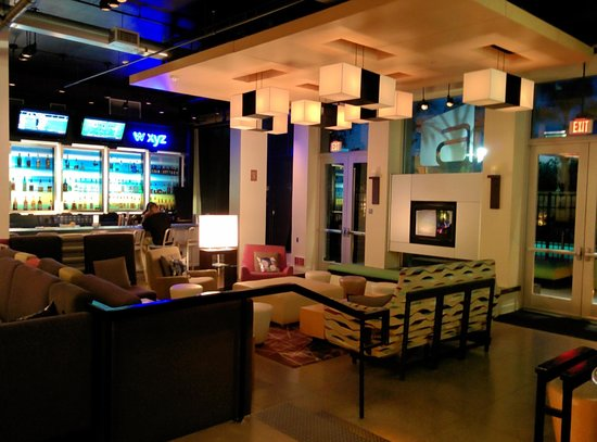 Aloft Ontario-Rancho Cucamonga: lobby and w xyz bar
