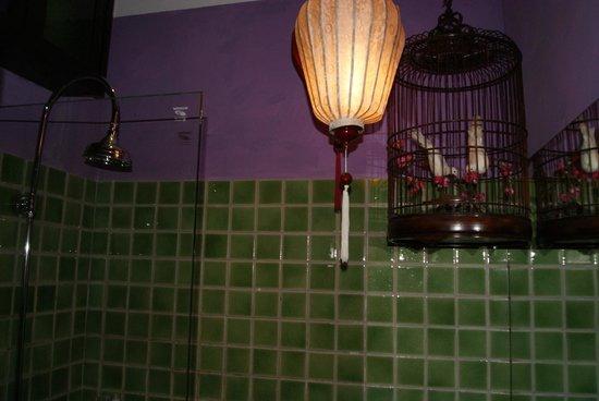 Shanghai Mansion Bangkok : Dusche