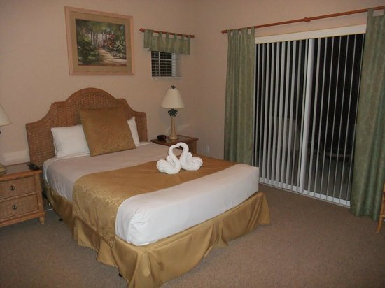 Bahama Bay Resort Orlando by Wyndham Vacation Rentals: Master Bed