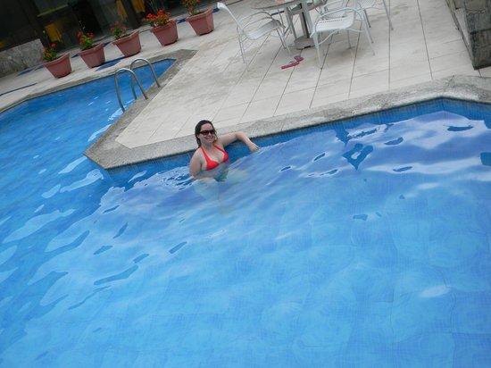 Coronado Beach Hotel : Piscina