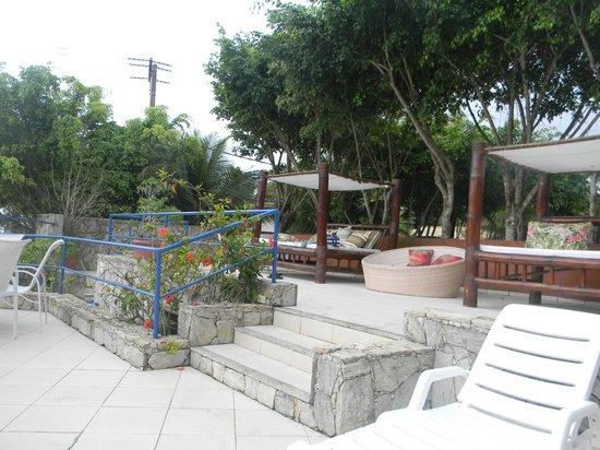 Coronado Beach Hotel : Espreguiçadeiras e ducha de praia