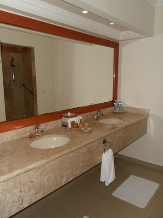 Sensimar Seaside Suites & Spa: Bathroom - 2915