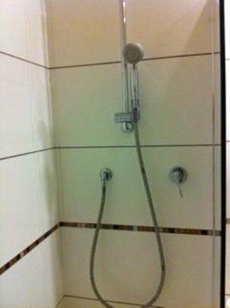 Hotel Londra: Bagno doccia