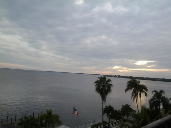 Best Western Fort Myers Waterfront: Day view
