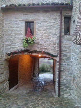 Il Girone dei Golosi - Ristorante del Castello della Pieve: Finestra del ristorante